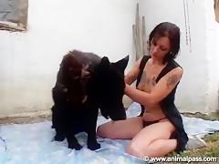 Morena perro y webcam