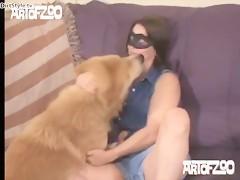 Desea perro y marido